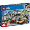 LEGO City Town (60232). Stazione di servizio e officina