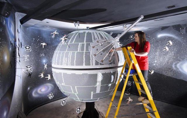 11 one of the worlds biggest ever lego star wars models installed at the legoland windsor resort 575