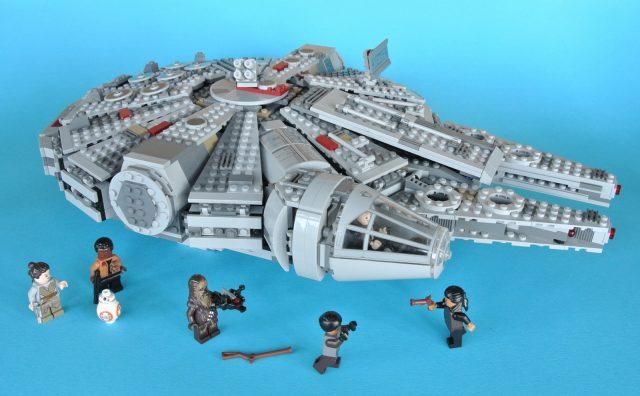 75105 Millennium Falcon con minifigure