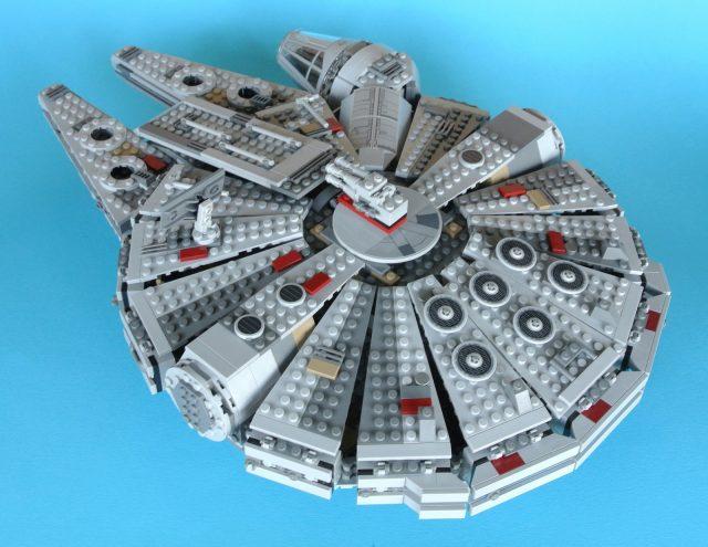 75105 Millennium Falcon modello 16
