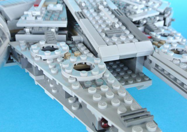 75105 Millennium Falcon modello 4