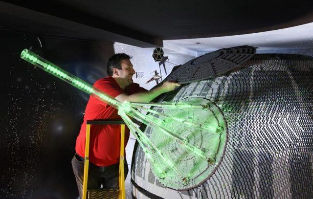 8 one of the worlds biggest ever lego star wars models installed at the legoland windsor resort 519