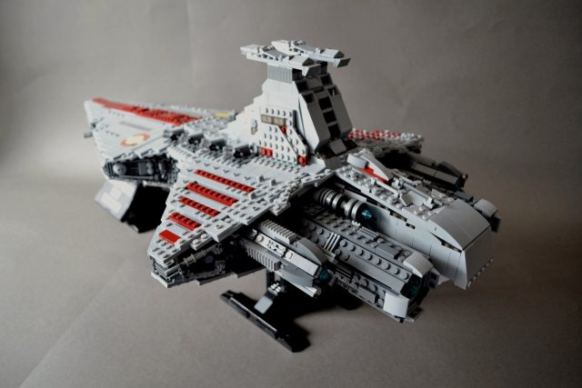 UCS style MOC Venator class Star Destroyer 4