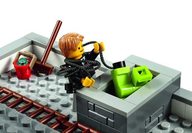lego 10251 Modular Brick Bank 11