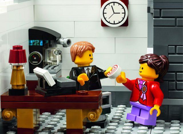 lego 10251 Modular Brick Bank 13