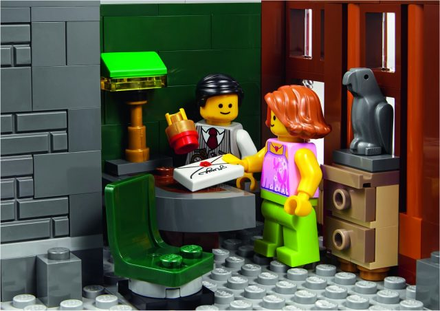 lego 10251 Modular Brick Bank 14