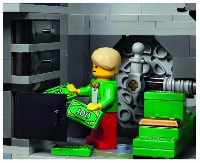 lego 10251 Modular Brick Bank 16