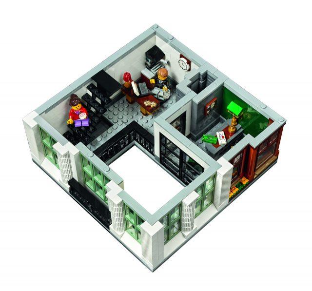 lego 10251 Modular Brick Bank 7