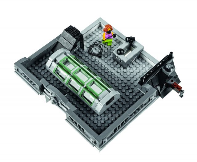 lego 10251 Modular Brick Bank 8