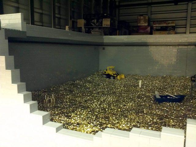 La MOC LEGO del deposito di Zio Paperone 1