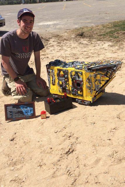 moc lego sandcrawler 3