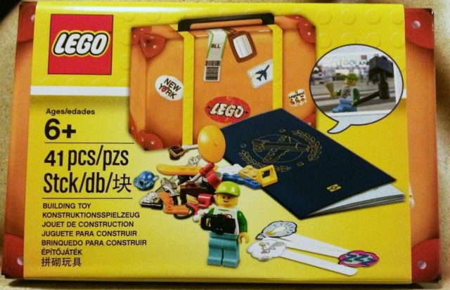 LEGO Travel Building Suitcase (5004932)