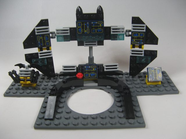 lego-dimensions-batman-movie-batcomputer