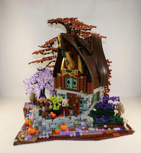 LEGO Ideas Cottage della Strega-Elfo