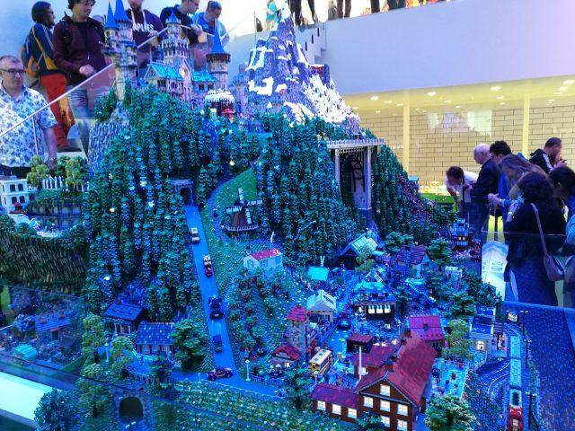 LEGO House Diorama