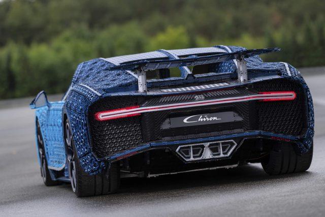 LEGO Bugatti Chiron a Grandezza Naturale