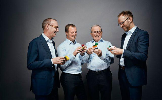Kjeld Kirk Kristiansen Lascia le Redini del Gruppo LEGO al Figlio