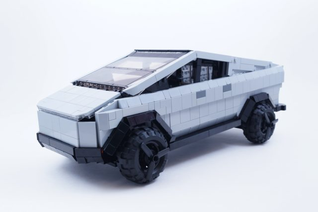 Tesla Cybertruck LEGO ideas davanti
