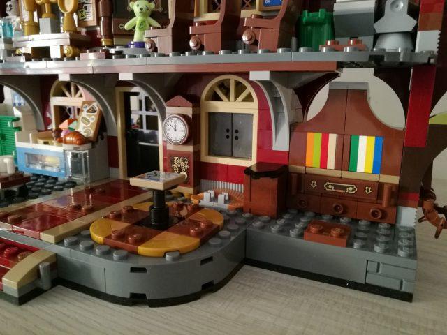 LEGO Hidden Side 70425 - Il Liceo Stregato Di Newbury