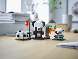 40466-Chinese-New-Year-Pandas