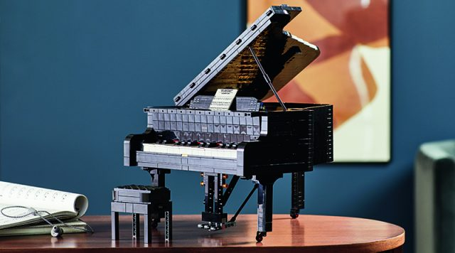 LEGO Idea Grand Piano