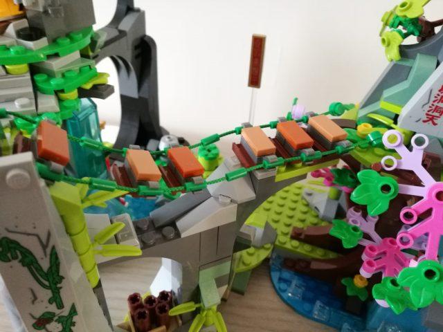 La leggendaria Montagna dei Fiori e dei Frutti (80024)