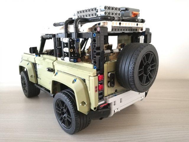 LEGO Technic 42110 - Land Rover Defender