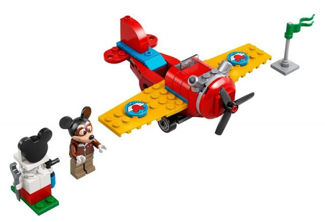 Mickey-Mouses-Propellor-Plane-1077