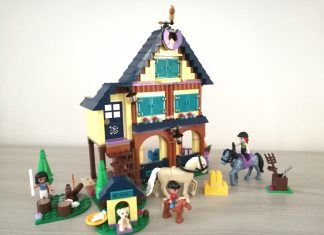 LEGO Friends 41683 - Il Centro equestre nel bosco