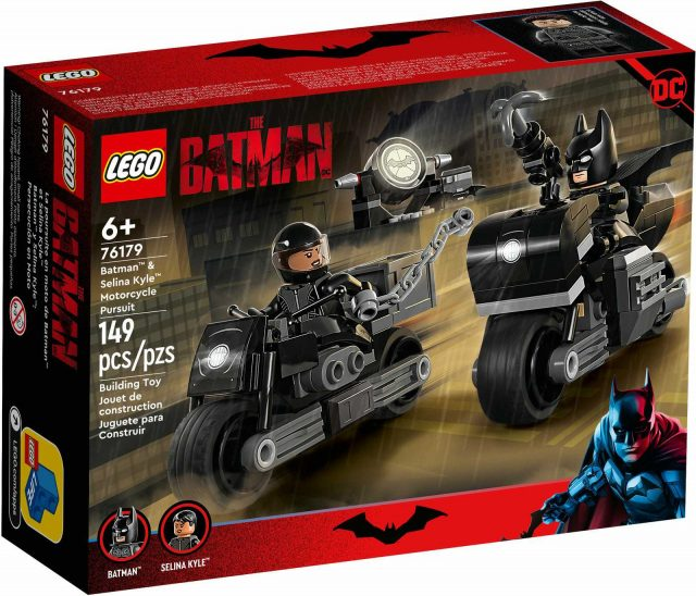 LEGO-The-Batman-Batman-Selina-Kyle-Motorcycle-Pursuit-76179